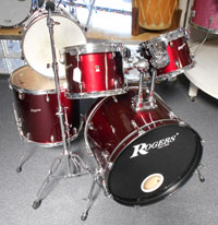 Rogers Maple shell, 10, 12, 16, 22 w/snare