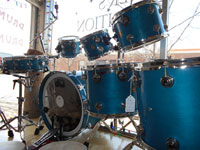 DW 1995 Regal Blue custom kit, 22, 8, 10, 12, 14, 16 w/matching snare