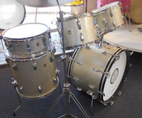 Ludwig, Silver Sparkle Jazz Festival, 22, 12, 13,16 w/matching snare